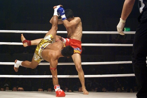 Saenchai cartwheel kick