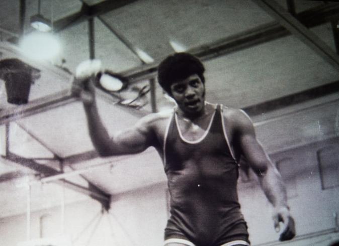 Neil-deGrasse-Tyson-wrestling