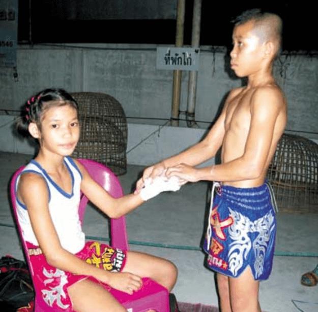 Foreign Women Muay Thai Year 45