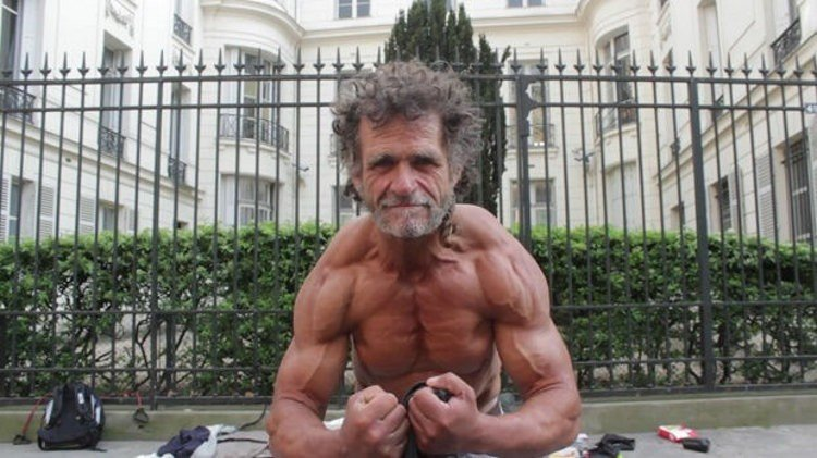 This-Bodybuilder-Is-Actually-a-Homeless-Man-Living-in-Paris-469727-3