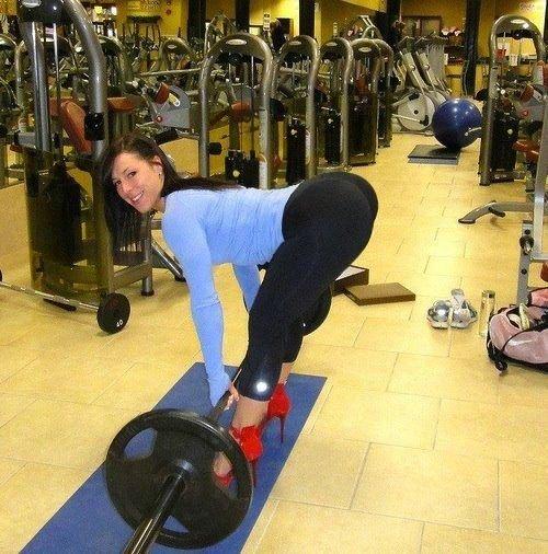 girls-in-yoga-pants-40