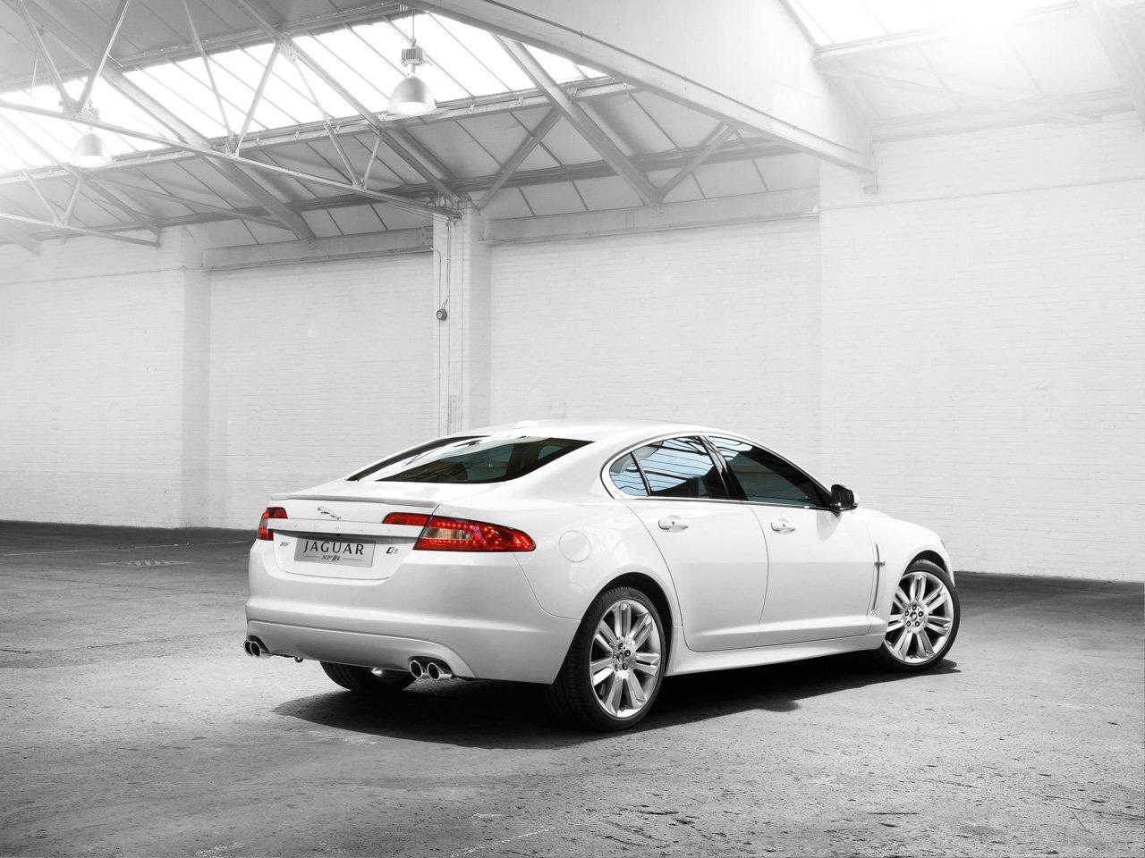 Generous Gift: Jaguar XF