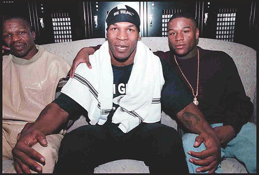 Las Vegas. 01-18.99. Boxer FLOYD MAYWEATHER and MIKE TYSON. His father FLOYD MAYWEATHER Snr.(left)